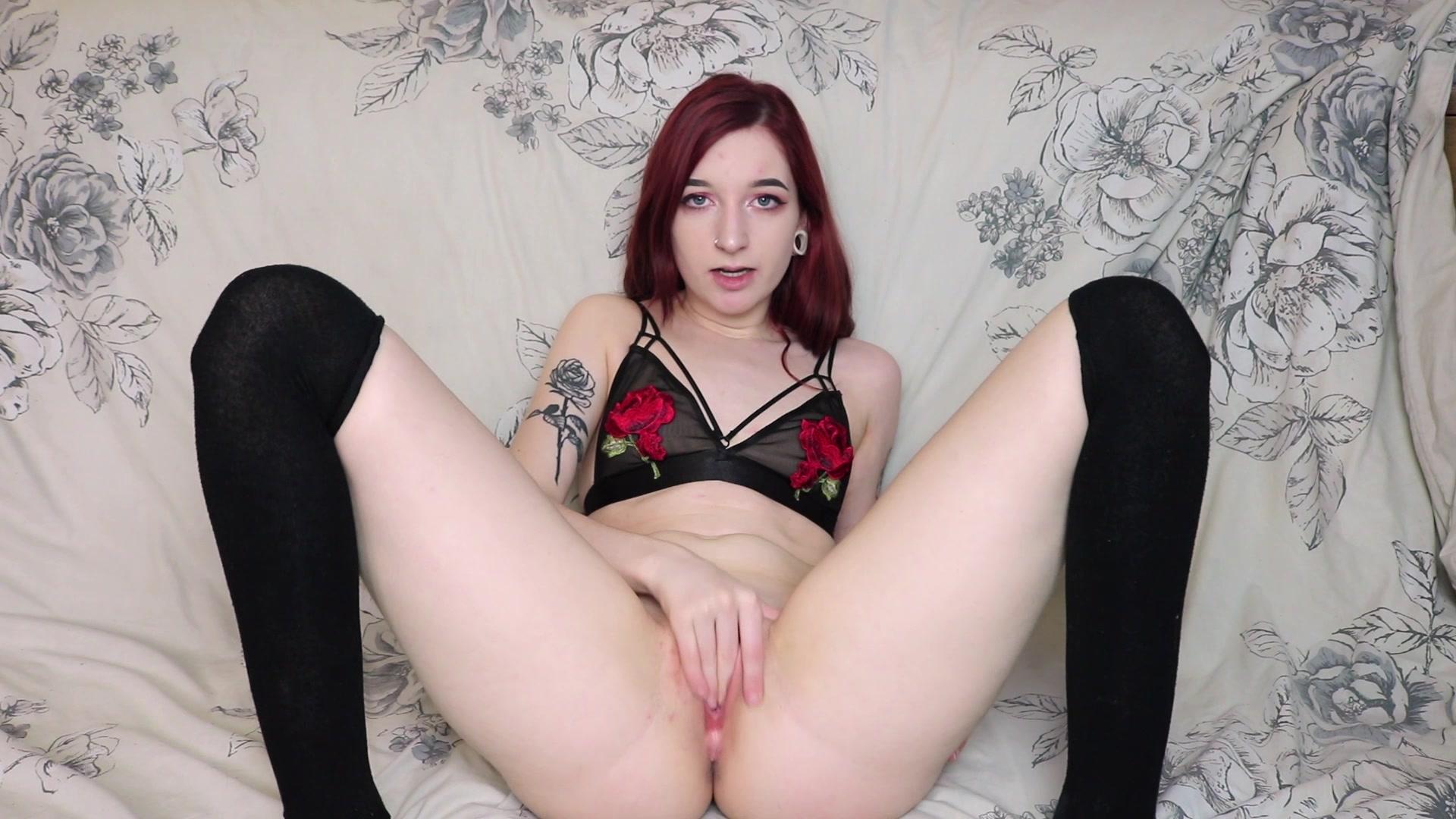 BustyBrunete rubs her pussy
