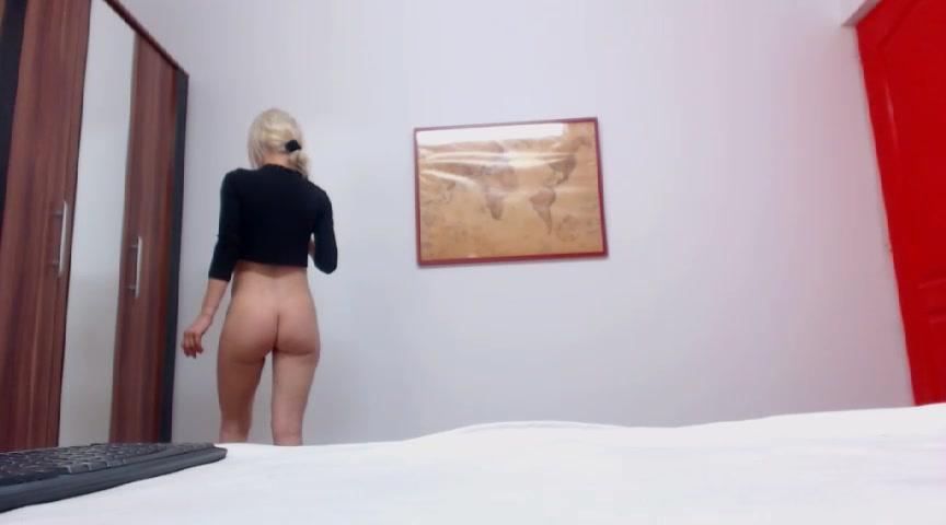 Amazing babe Pinkyishere masturbating in free chat